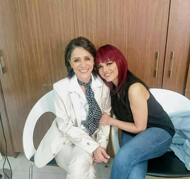 النجمة السورية سامية الجزائري وأحدث صورة لها مع الممثل دانا مارديني