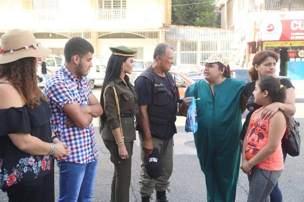 ليليان نمري مع ليال عبود والشرطي الملقب بـ Apolo