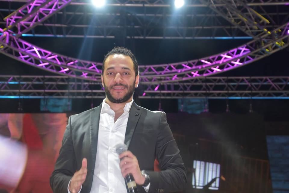 حسين الديك يوضّح حقيقة شتمه لعناصر قوى الأمن في مطار بيروت