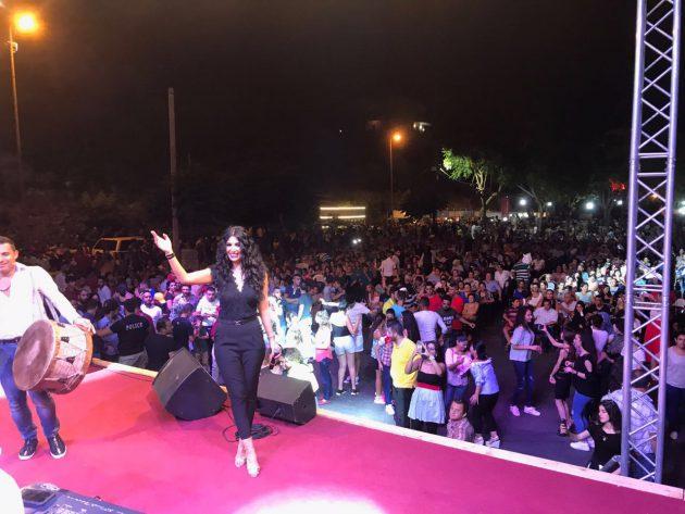 رويدا عطية تطرب الجمهور بأغنياتها