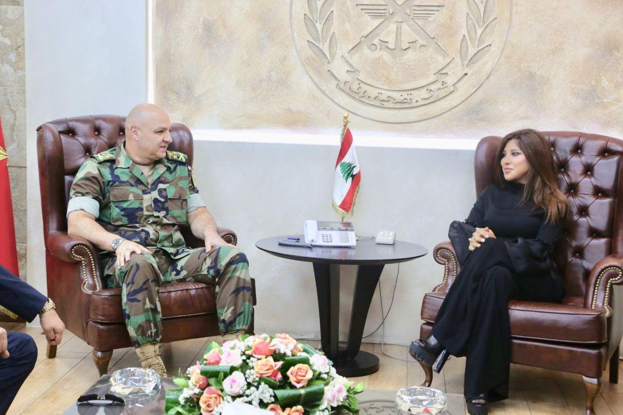 قائد الجيش اللبناني جوزيف عون وشمس الاغنية اللبنانية نجوى ركرم