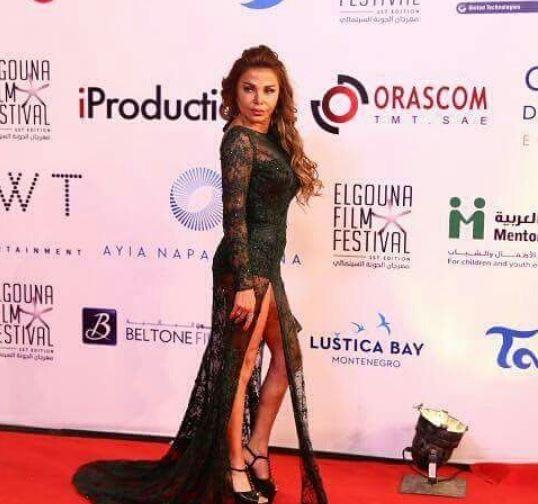 الفنانة اللبنانية رزان مغربي بفستان جريء