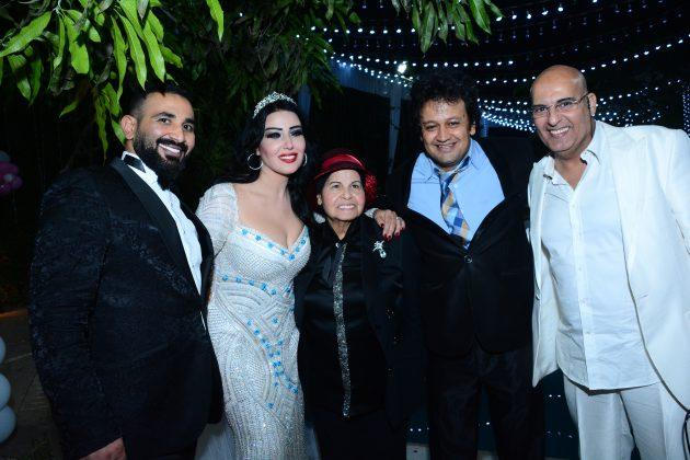 سمية الخشاب واحمد سعد برفقة سيد شعراوي وبقية الضيوف