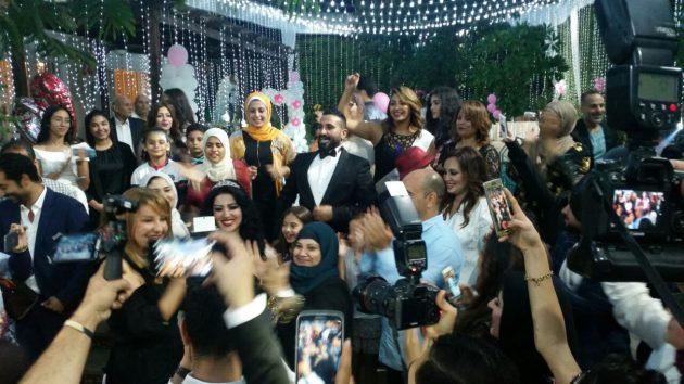 أحمد سعد وسط ضيوفه