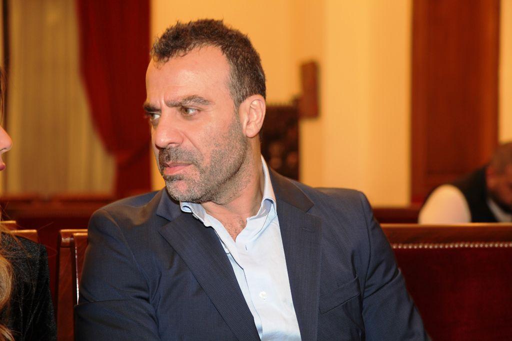 الفنان اللبناني جو أشقر