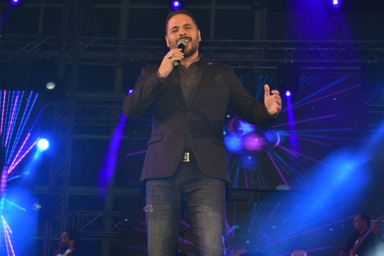 رامي عياش أحيا حفلاً ضخما مسرح جامعة مصر الدولية