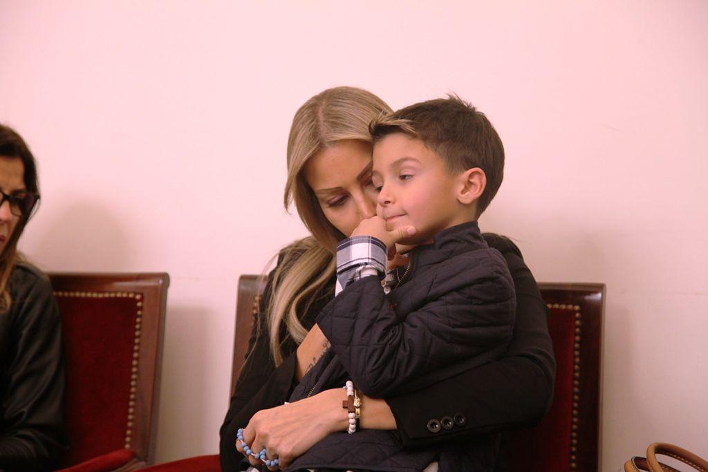 ملكة جمال لبنان السابقة كريستيا صوايا وابنها