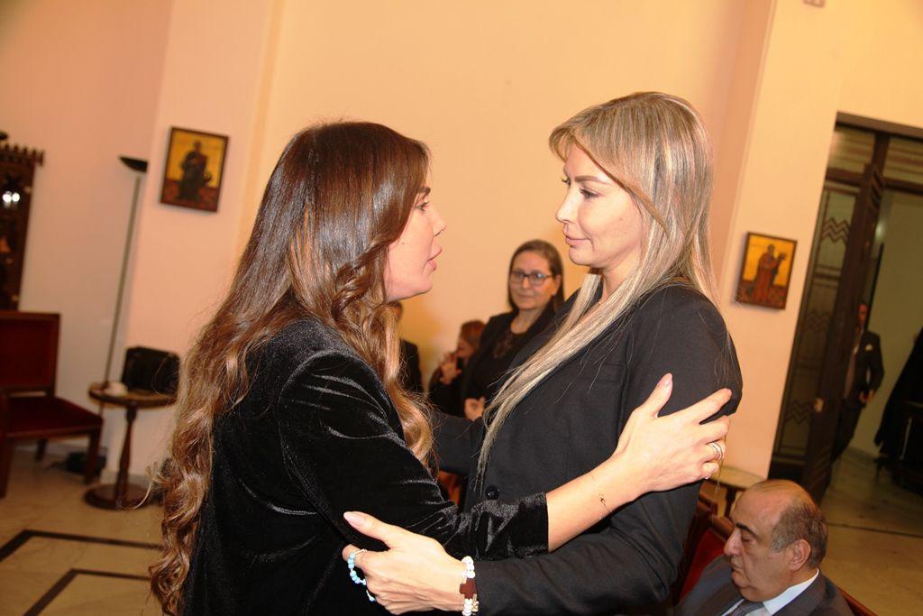 الممقلة اللبناني يمنى شيري تعزي كريستينا صوايا