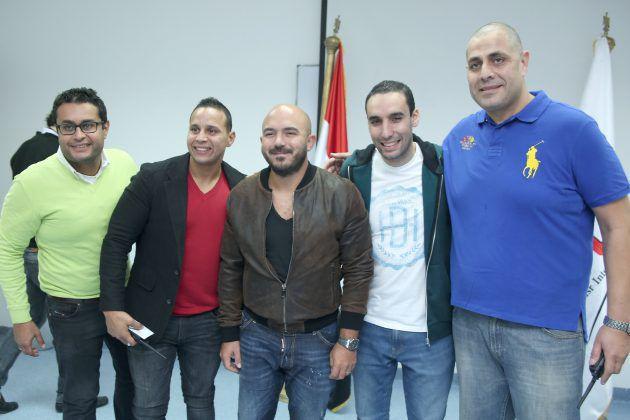 محمود العسيلي وصورة تذكارية قبل الحفل