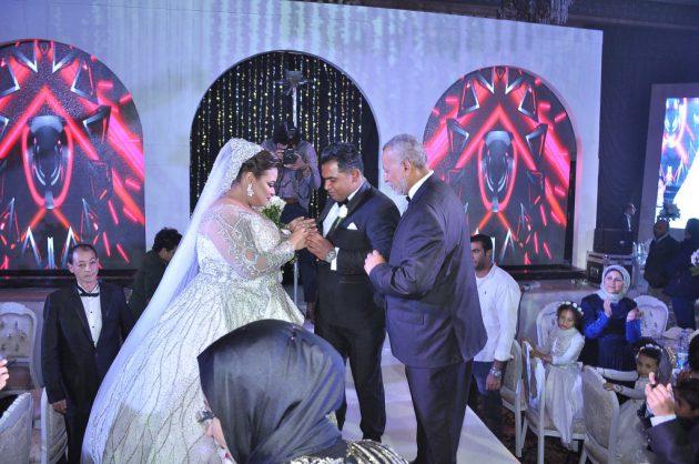 دينا محسن ولقطة مميزة من حفل زفافها