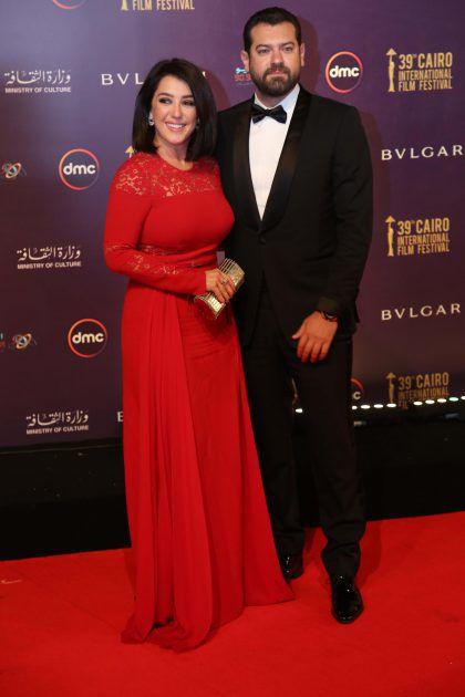 النجمة السورية كندة علوش وزوجها الممثل المصري عمرو يوسف على السجادة الحمراء