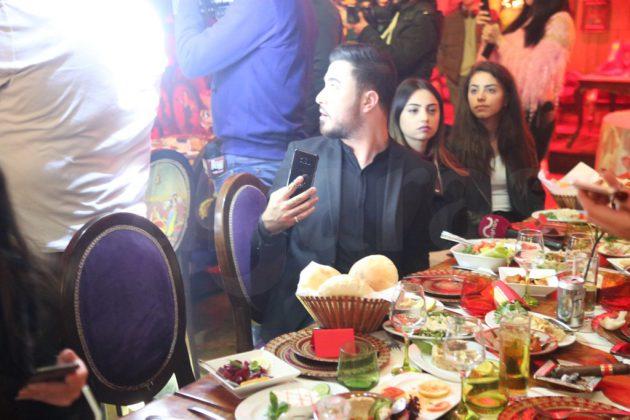 الإعلامي راغب حلاوي مع المراسلين