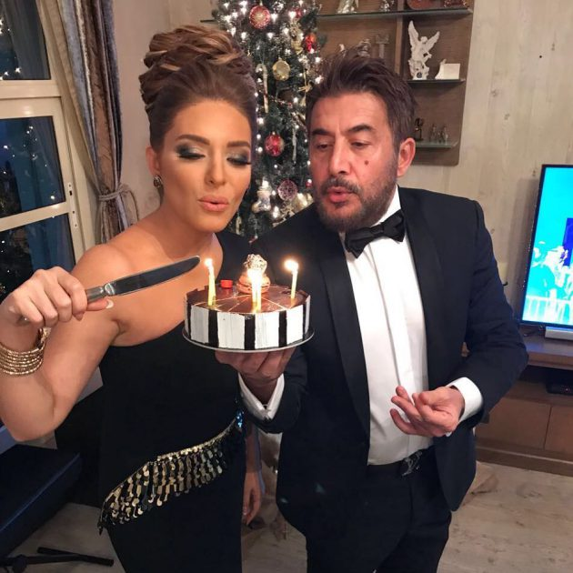عابد فهد وزوجته يحتفلان بعيد زواجهما