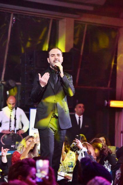 وائل جسار شكر في الحفل كل المتواجدين