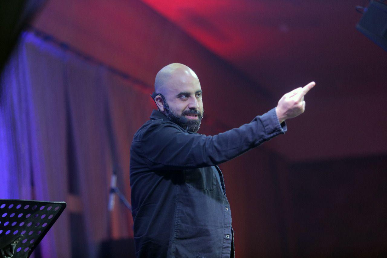 هشام حداد احتفل بعيد الحب