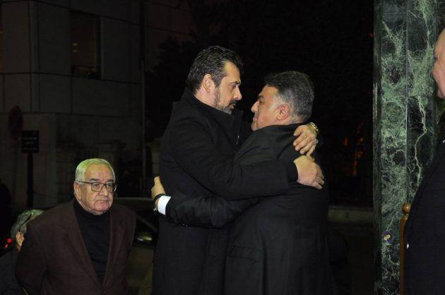 السيناريست المصري تامر حبيب في عزاء والدته