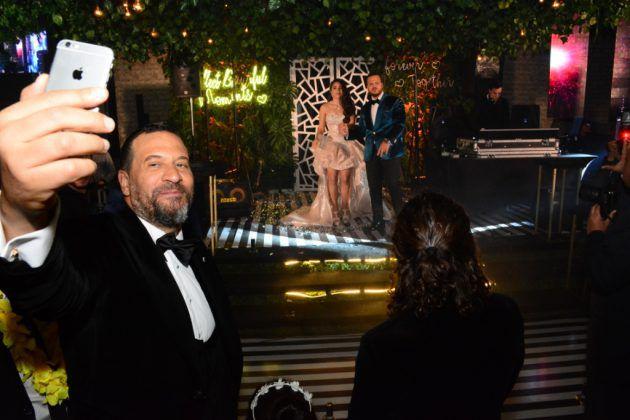 ماجد المصري وسلفي مع العروسين
