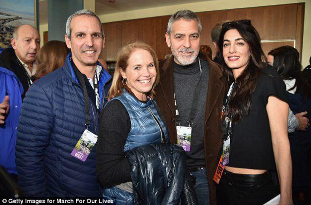 جورج كلوني وزوجته أمل علم الدين برفقة الصحافية الأمريكية كاتي كوريك وزوجها الممول جون مولنر