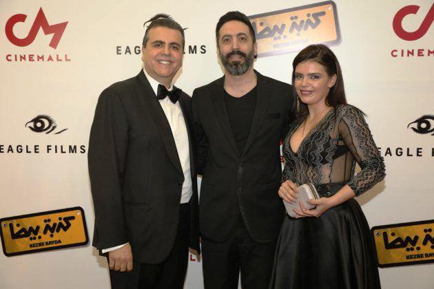 كاتبة العمل كلود صليبا والمخرج نبيل لبس مع جمال سنان