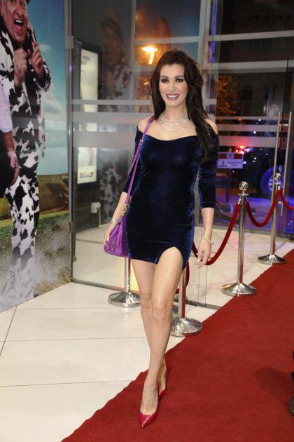نادين الراسي جاءت إلى الفيلم بفستان قصير