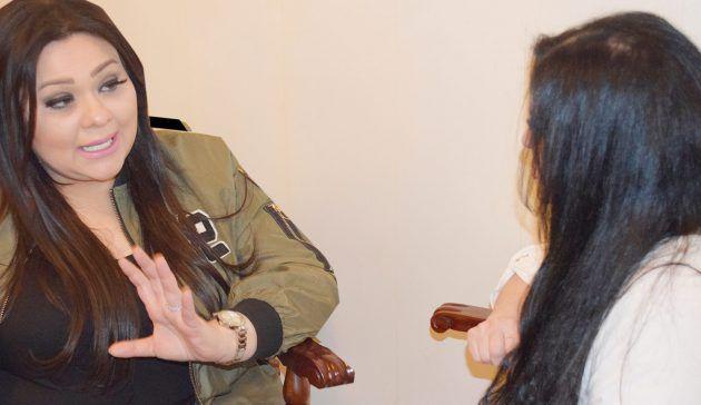 الزميلة رئيسة التحرير نضال الأحمدية تحاور الكاتبة السورية نور شيشكلي