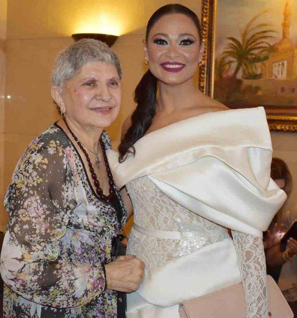 الممثلة اللبنانية برناديت حديب