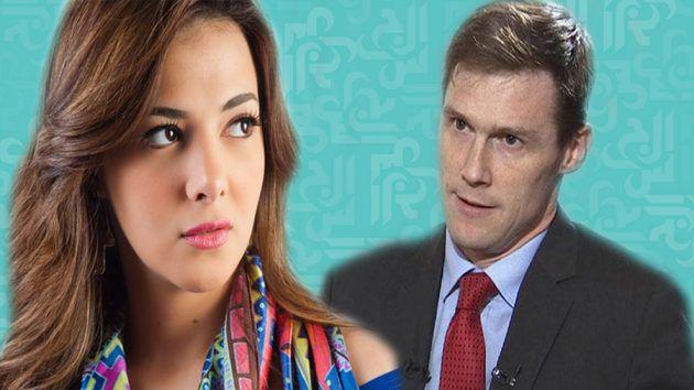 السفير البريطاني في القاهرة جون كاسن والفنانة المصرية دنيا سمير غانم