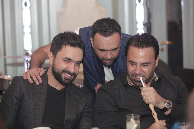 فارس الغناء العربي عاصي الحلاني مع النجم نادر الأتات ويتوسطهما علي الأتات