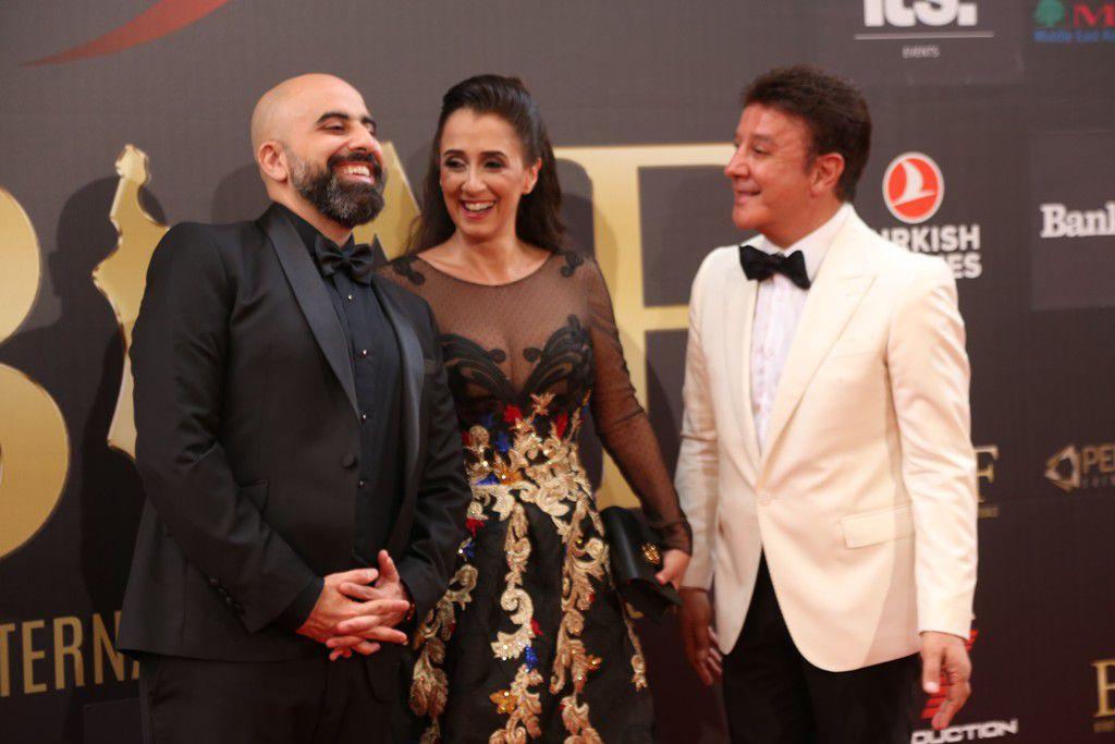 الاعلامي البناني هشام حداد مع مؤسس بياف ضاهر وزوجته