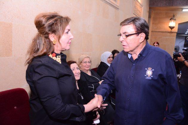 سمير صبري يسلم على نادية مصطفى