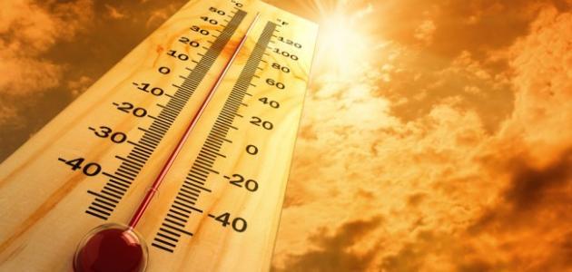 تحدث عند تعرض الطفل أو المريض لدرجة حرارة مرتفعة