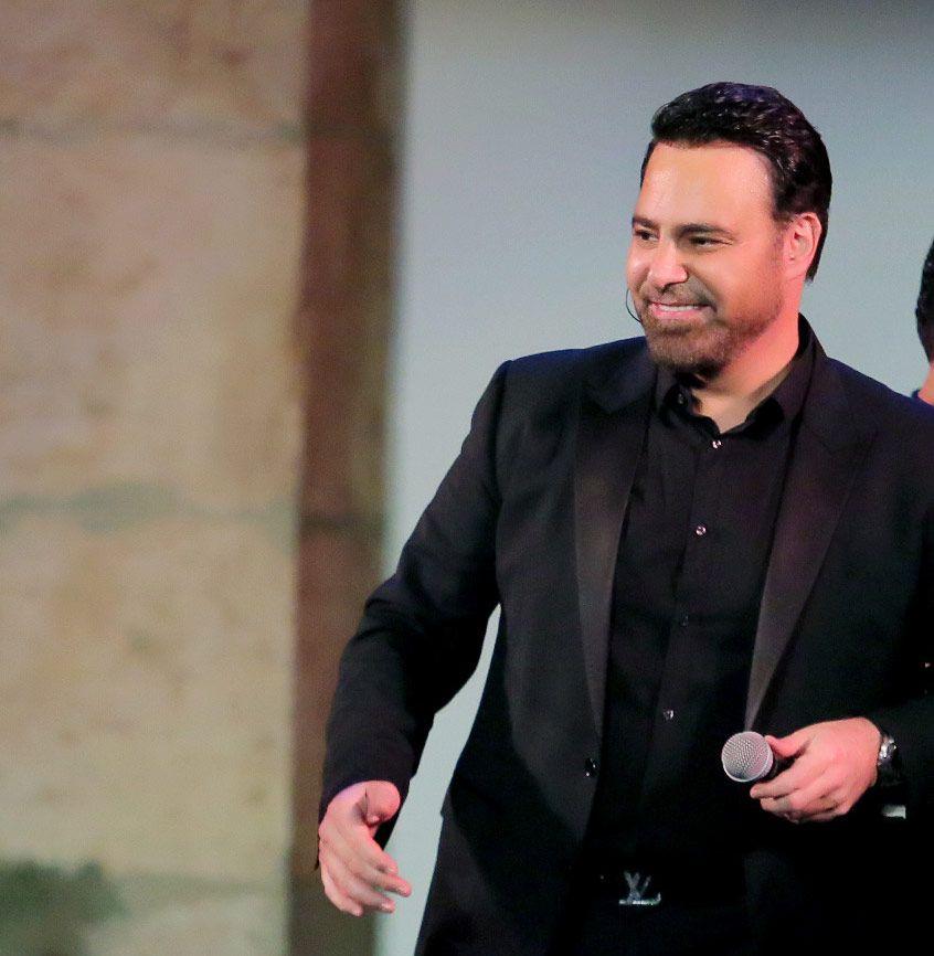 فارس الغناء العربي عاصي الحلاني