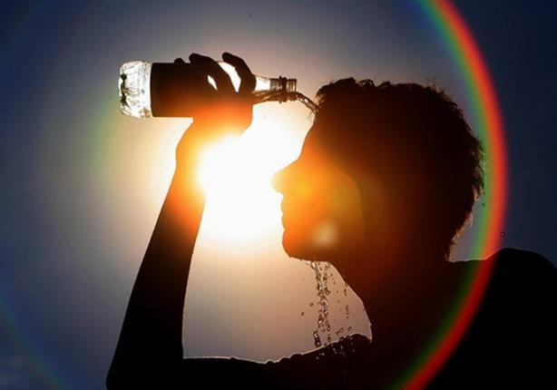 عدم شرب المياه الباردة لأنها تسبب مشاكل في عسر الهضم
