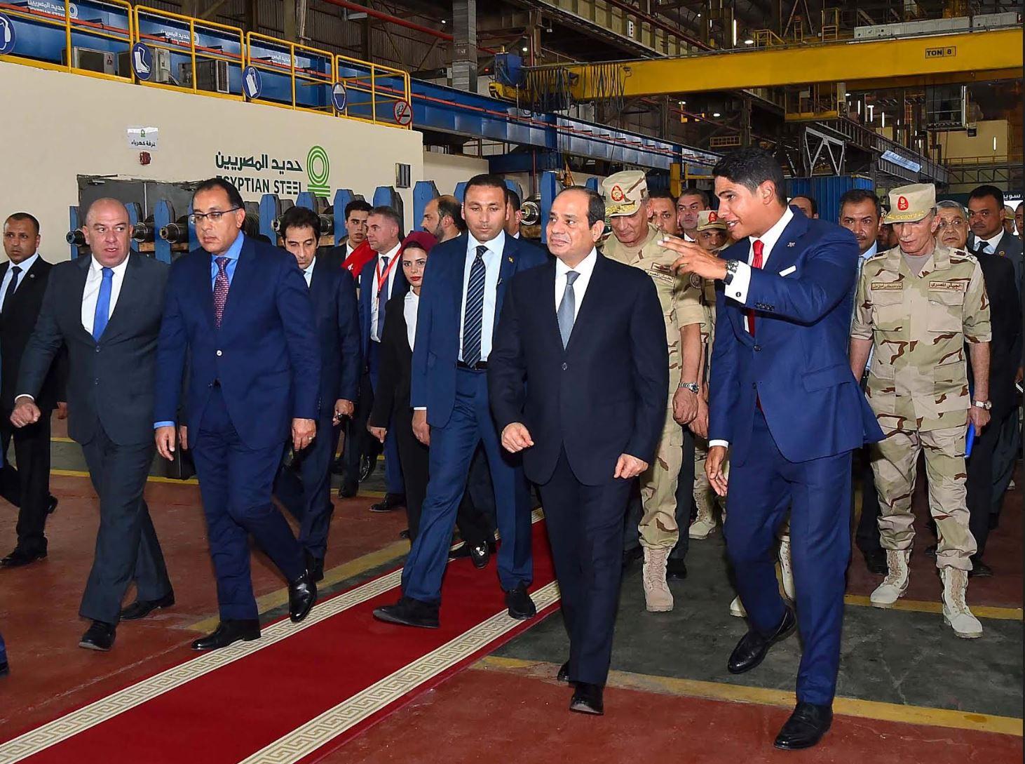 الرئيس السيسي يزور أحمد أبو هشيمة في مصانع الحديد وهذا هو شغل أبو هشيمة وليس سبونسر حفلة