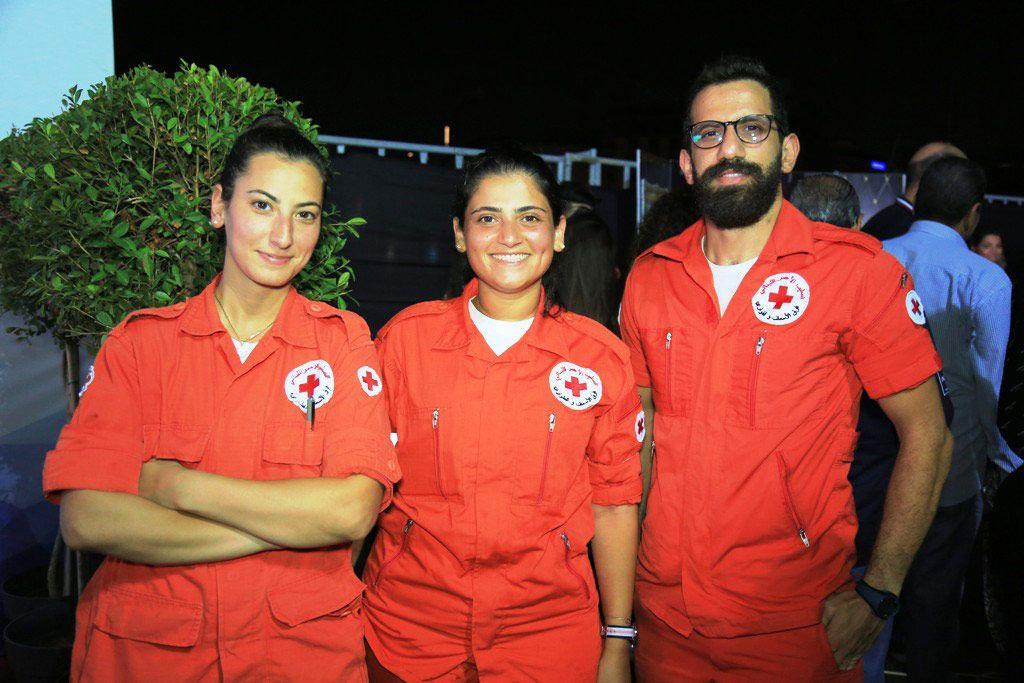 أفراد من الصليب الأحمر حضروا خوفاً من أي اصابة خلال الحفل
