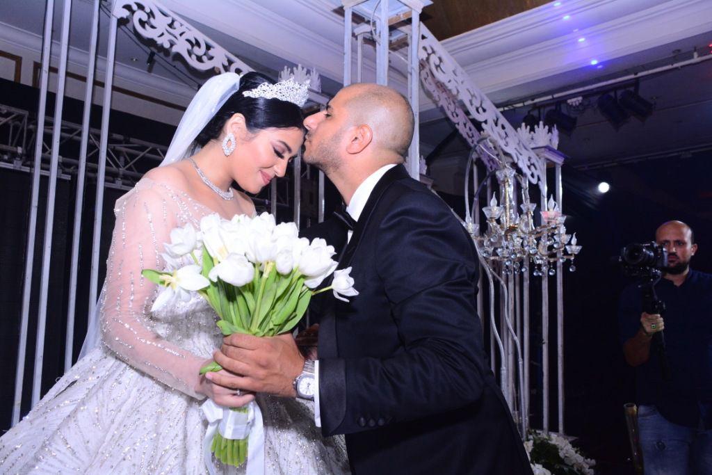 شيرين يحيا وعريسها