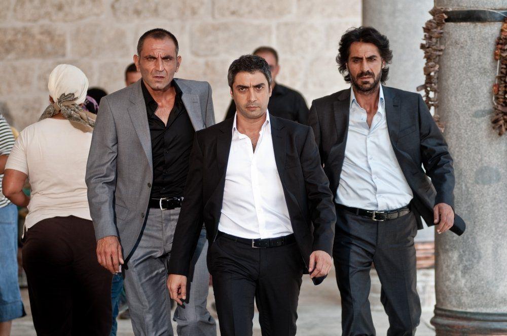 اعتقال عبد الحي في سوريا ومراد علم دار تحرك