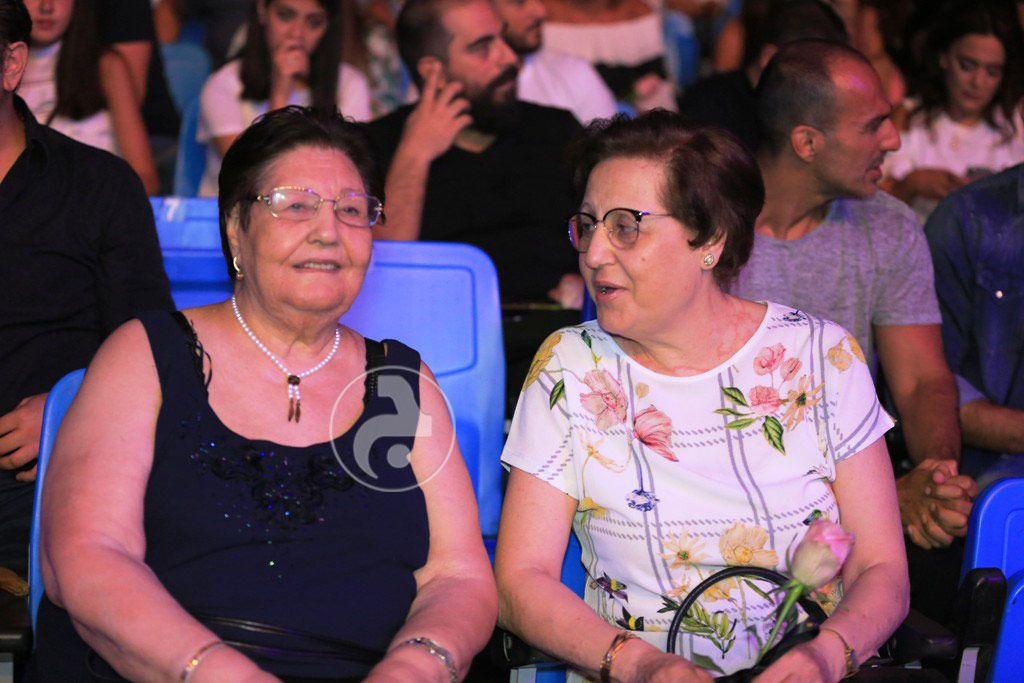 والدة اليسا يمنى وشقيقتها