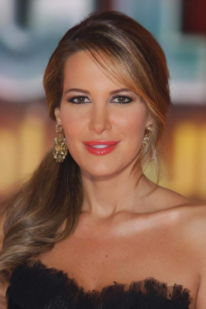دينا عازار ملكة جمال لبنان 1995