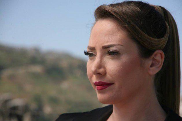 سلافة معمار فنانة سورية جميلة تكره اللبنانيات الجميلات وتعيرهن لكننا نحبها ونؤكد أنها واحدة من أجمل جميلات الشاشة من غير تجميل