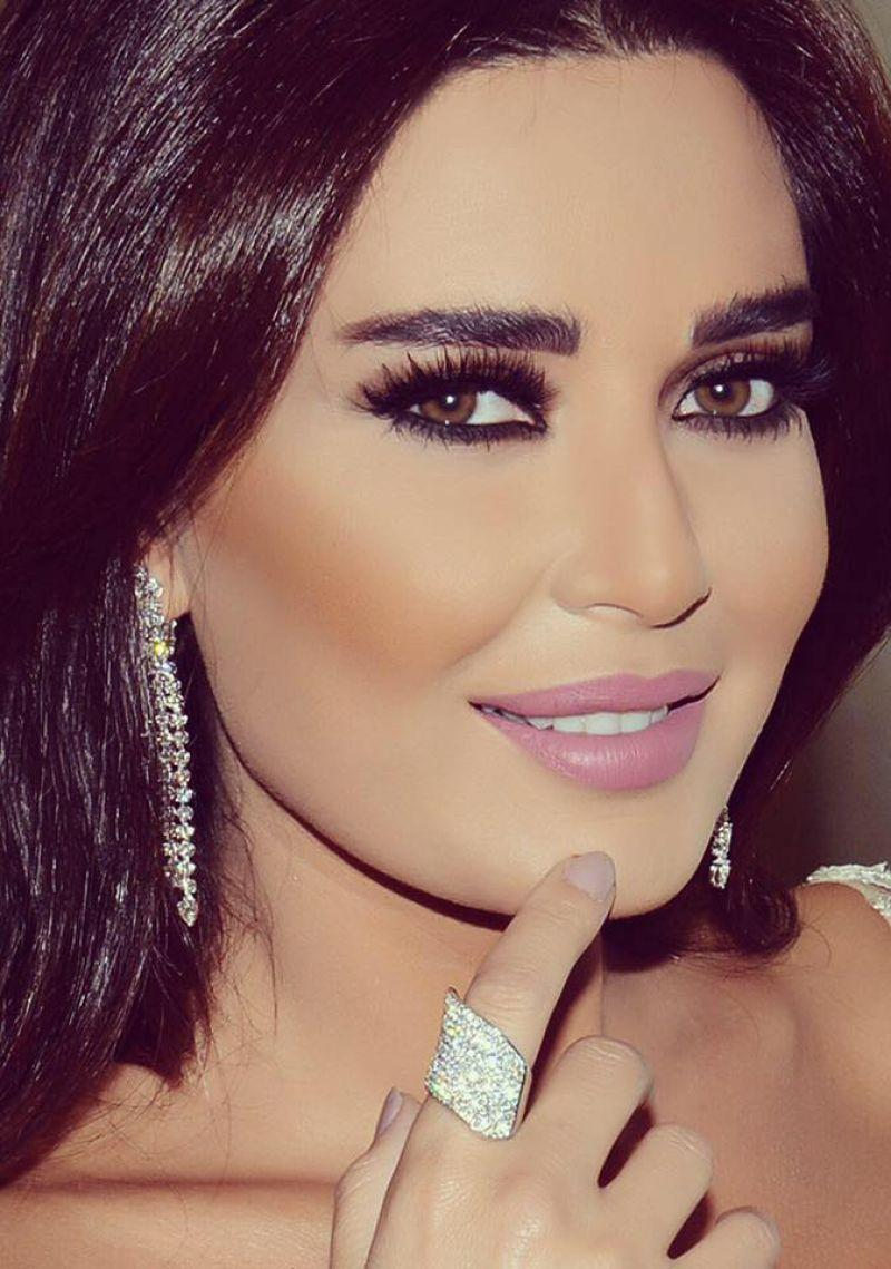 سيرين عبد النور جميلة جداً منذ طفولتها ولا تجميل ولا تحسينات حتى