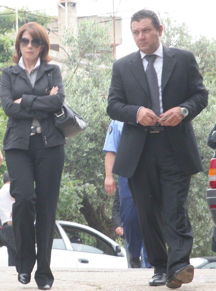ماجدة-الرومي-وشقيقها-عوض-يصلان-إلى-مجلس-عزاء-والدة-ملحم-بركات-أرشيف-الجرس
