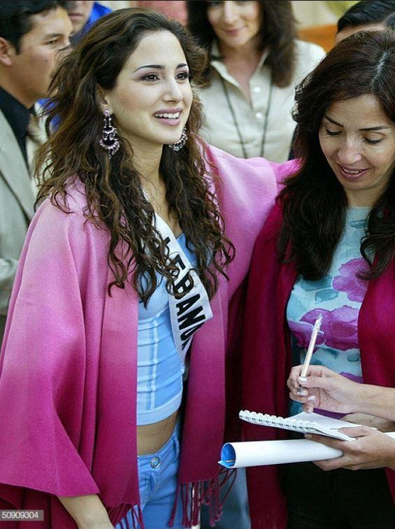 ماري جوزيه حنين ملكة جمال لبنان 2003 حين شاركت بانتخابات ملكة جمال الكون ولم تفز