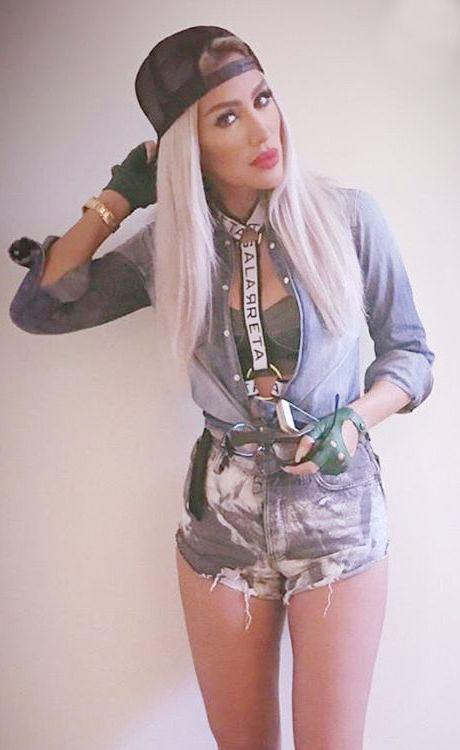 ملابس مايا دياب