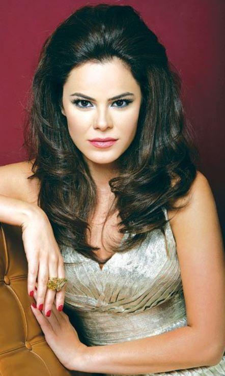 نورما نعوم ملكة جمال لبنان 1999