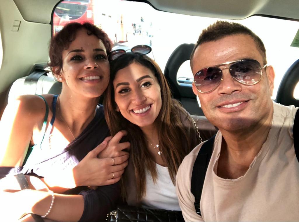 نور عمرو دياب سعيدة لوالدها وزوجته الجديدة دينا الشربيني وهكذا ترد على أختيها جنا وكنزا