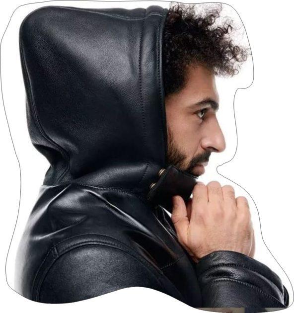 محمد صلاح يعرض الأزياء