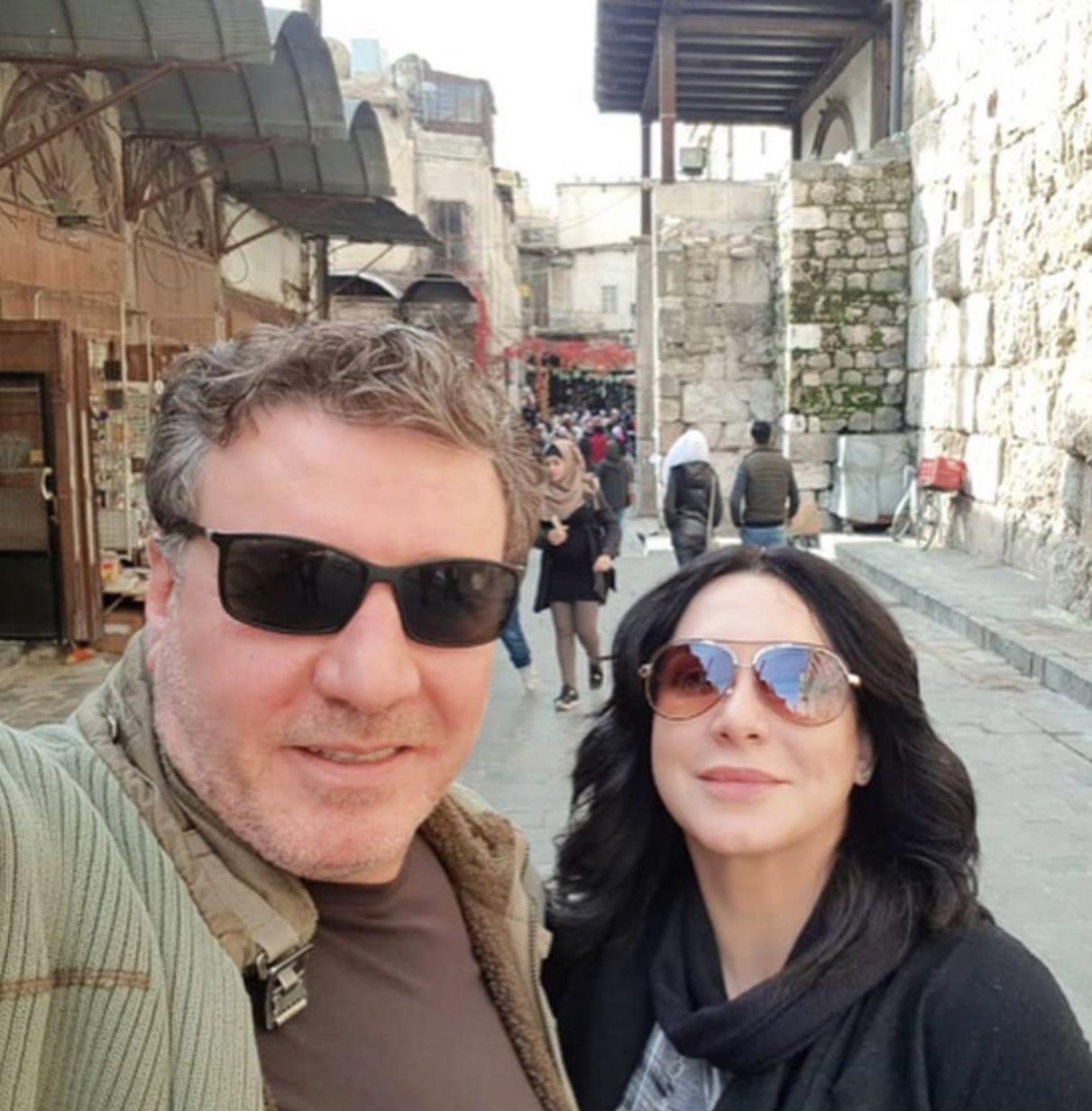 وائل رمضان وسلفي مع زوجته سلاف فواخرجي