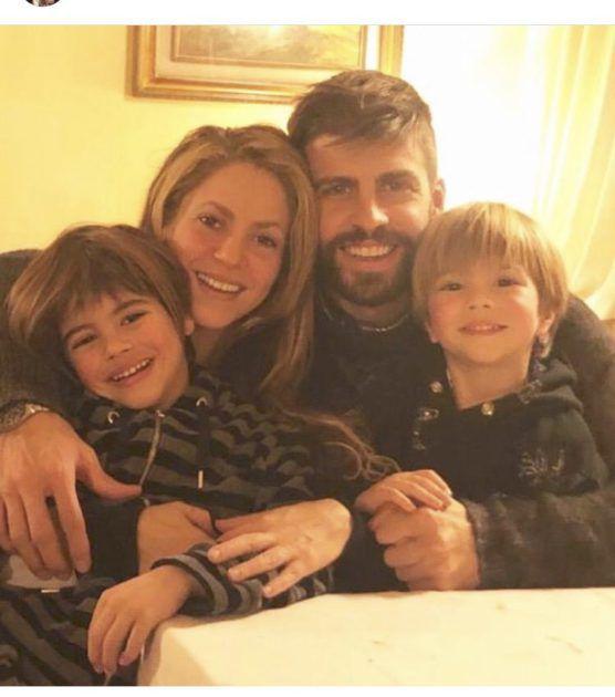 شاكيرا وأجمل صورة مع عائلتها في الكريسماس