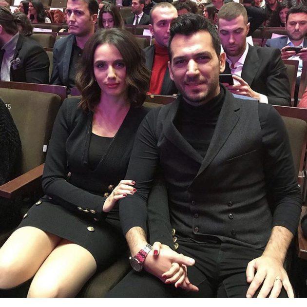 زوجة التركي مراد نصف عارية؟ - صورة